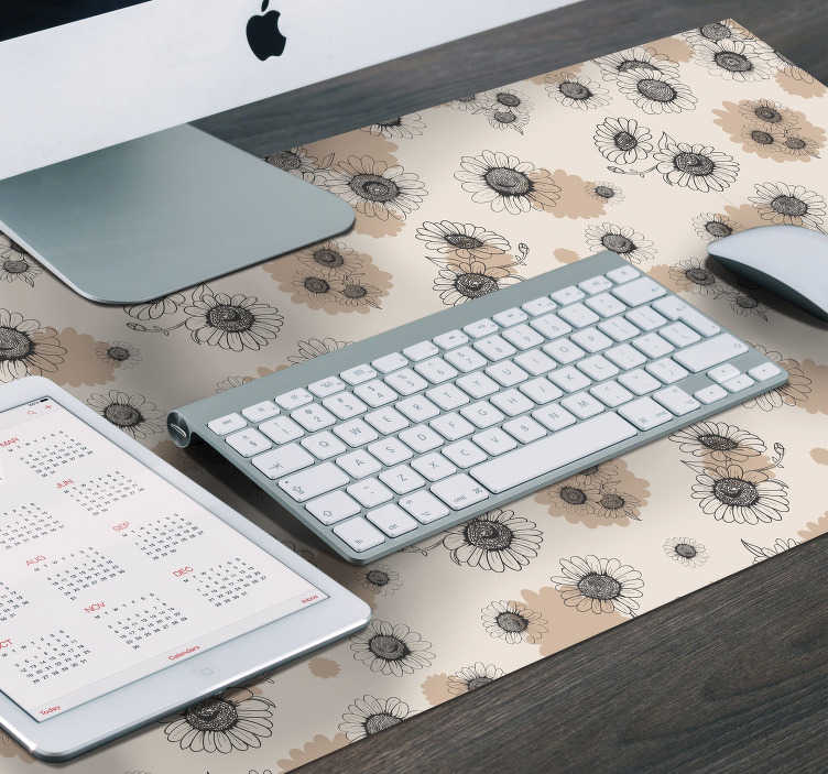 TenStickers. Hand drawing daisies vintage mouse mat. Magnificent floral mouse pad with a daisy pattern in vintage style with subtle and elegant colors that will make your desk much more beautiful.