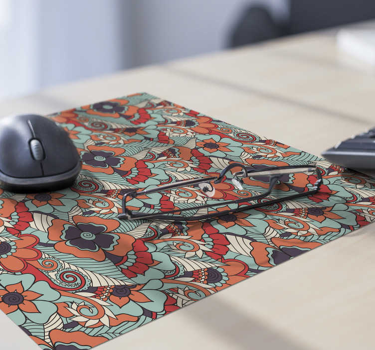 TenStickers. Paisley baroque floral mouse mat. With this paisley mouse pad, you will be able to use your computer mouse much more easily, and also have a fantastic decoration on your desk.