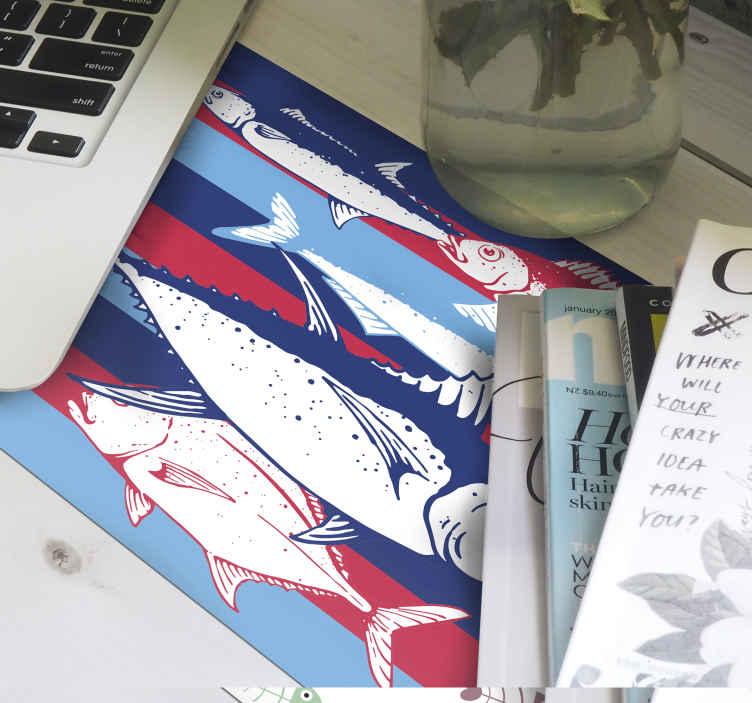 TenStickers. Tapetes de rato em vinil de peixes Mão desenhar peixes. Mão desenhar peixe padrão tapete de rato para decorar o seu espaço de trabalho com o rato. Sua qualidade é alta e amigável de usar.