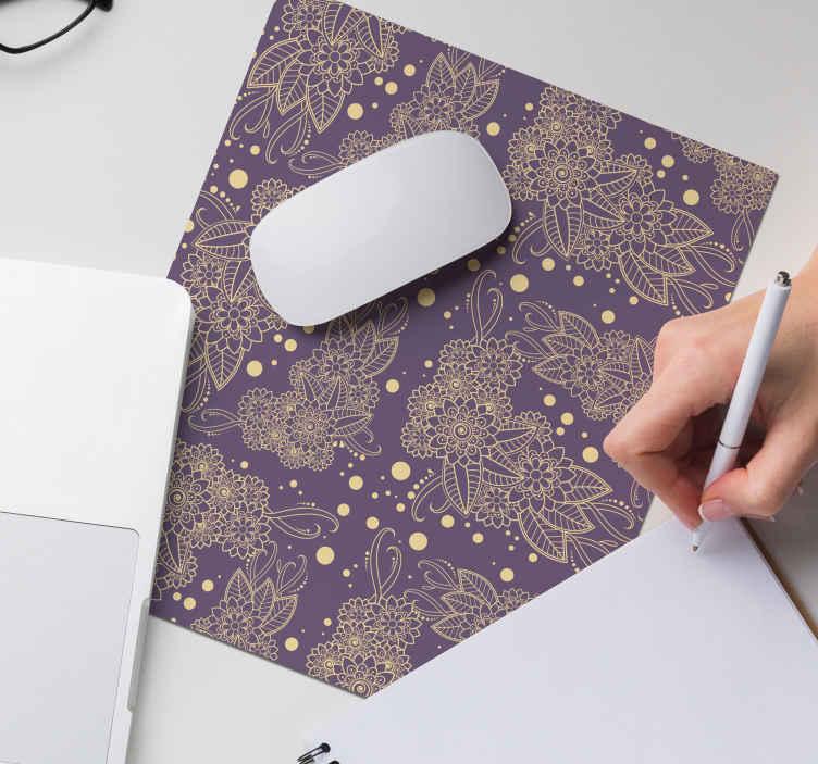 TenStickers. цветочный пейсли уголок коврик для мыши пейсли. современный коврик для мыши для вашей поверхности мыши. Наслаждайтесь нашим высококачественным ковриком для мыши, изготовленным с орнаментом Пейсли на фиолетовом фоне.