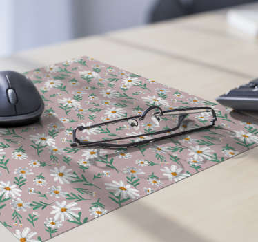 With this magnificent floral mouse pad with a pattern of daisies on a pink background in a 70s style you will be able to use your mouse much easier.