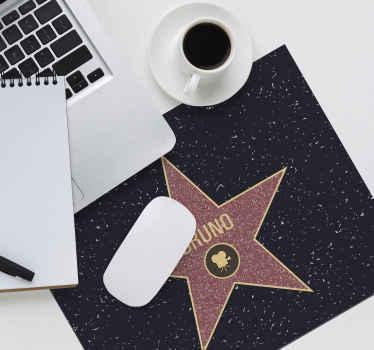 ¡La alfombrilla ratón personalizada  más espectacular de Hollywood! Diseño original para personalizar con tu nombre ¡Envío exprés!