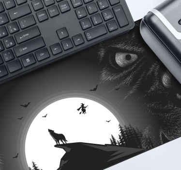 Ουρλιαχτό λύκος ποντικιού τυχερού παιχνιδιού με νυχτερίδες, λύκος στην κορυφή του βουνού κ. λπ. σε μαύρο φόντο. είναι κατασκευασμένο από υψηλής ποιότητας υλικό.