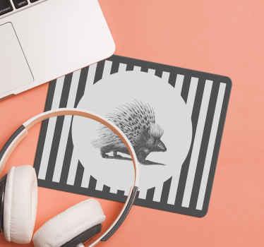 Un tapis de souris porc-épic avec des rayures noires et blanches fabriqué à partir du meilleur matériau de qualité. Facile à entretenir et de bonne qualité.