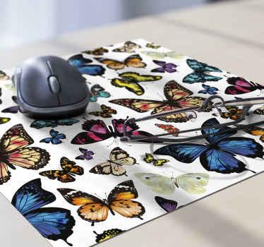 Alfombrilla de ratón original y colorida con mariposas para que decores tu casa a tu gusto o regales. Elige medidas ¡Envío a domicilio!