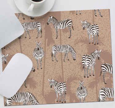 Tapete de rato marrom de zebra com um padrão impressionante de zebras, todas em diferentes posições. Entrega em todo o mundo disponível.