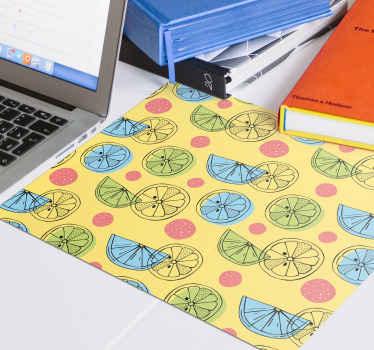 Musmatta med citrusfruktskivor i halv design för att ändra atmosfären på din arbetsplats eller studera framför din dator med denna fantastiska design.