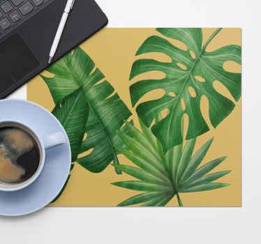 Mauspad mit großen blättern und 3 blättern auf einem einfarbigen Hintergrund. Leicht zu waschen. Bestellen Sie jetzt auf unserer Website!