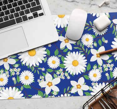 Blühen Sie Ihr zimmer mit dieser erstaunlichen thematischen Mauspad auf, die viele verschiedene weiße blumen zeigt. bestellen sie jetzt!