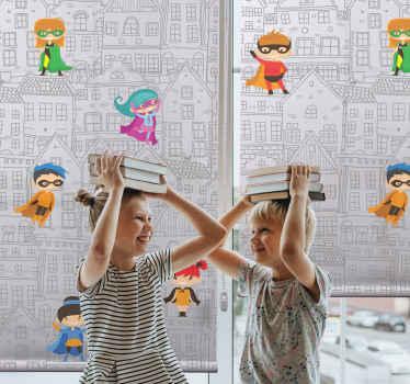 Ve městě jsou superhrdinové! Udělejte svým dětem radost s touto úžasnou dětskou roletou, která ukazuje superhrdiny nad městem! Objednat teď!