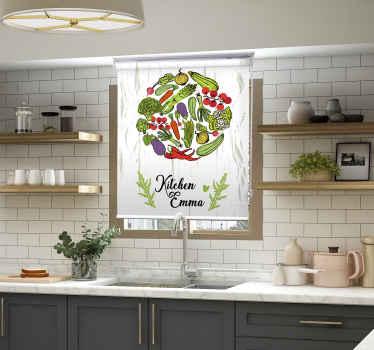 Nechte svou kuchyňskou okenní roletu výjimečnou ilustrací jídla v této zeleně potištěné okenní roletě. Je originální a snadno se instaluje.