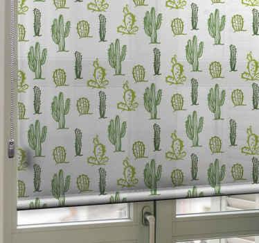 Krásná příroda inspirovaná roletou do místnosti nebo na jiná místa. Slepý hostitel design různých zelených kaktusů na bílém pozadí.