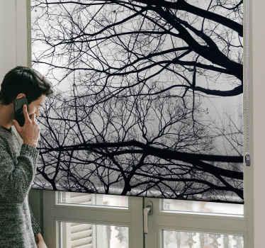 Realistická roleta - lze ji instalovat na jakýkoli okenní prostor v domácnosti nebo jiných prostorách. Vyrobeno z kvalitní látky a je odolné.