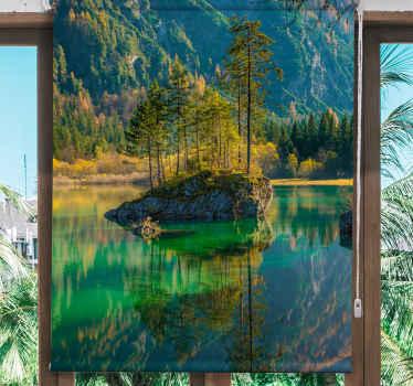 Tato roleta v ložnici je ilustrací osamělého stromu u jezera, v noci se zrcadlovým odrazem. Předinstalovaný. Zvolte mechanismus!