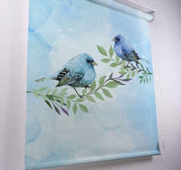 """Rozjasněte svůj dům s tímto úžasným designem rolety do obývacího pokoje """"modří ptáci na větvích"""". Na co čekáš? Podívej se!"""