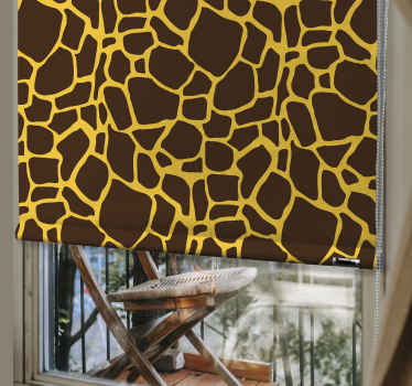 Vneste do svého obývacího pokoje nějakou barvu s tímto úžasným odstínem obývacího pokoje. Už nečekejte a objednejte si tuto roletu hned teď!