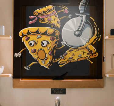 Tato dětská roleta je založena na černém pozadí a má vyděšené tváře vtipné plátky pizzy, které utíkají od kráječe pizzy. Donáška domů!