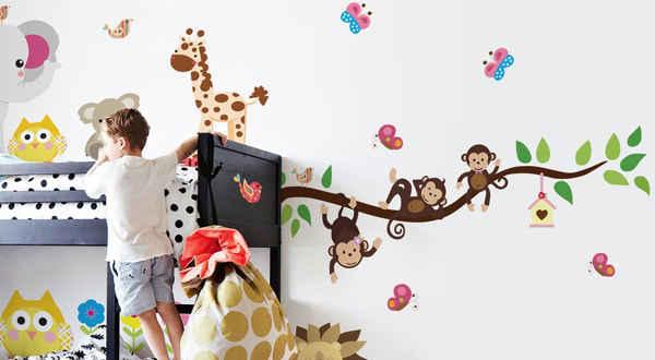 Lastenhuoneen seinätarrat