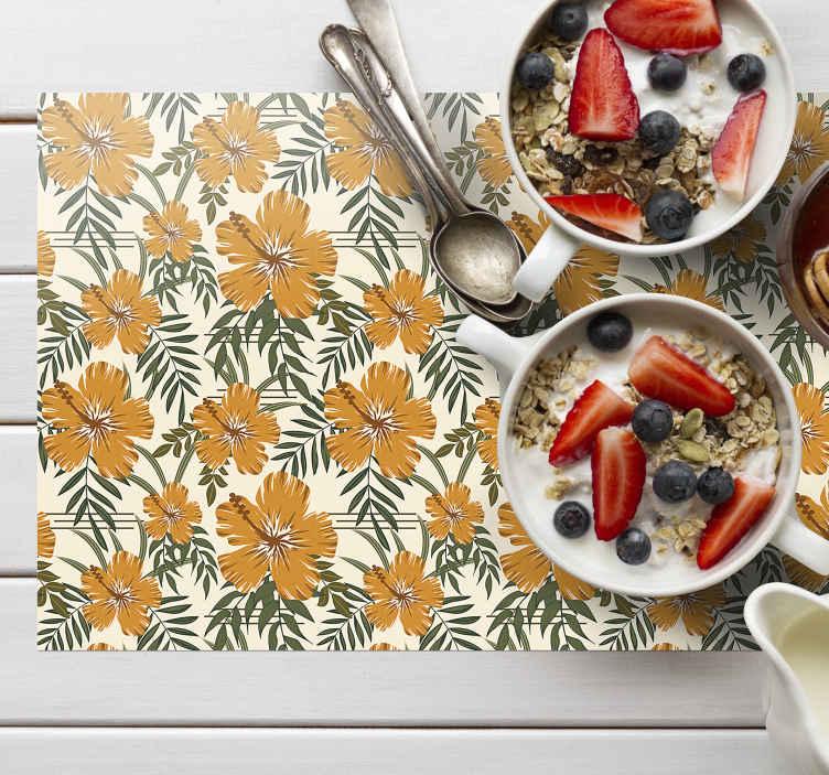 TenStickers. 黄色的热带花朵纹理的乙烯基餐垫. 梦幻般的餐垫,整齐的白色背景上充满黄色,热带花卉。每个人都会为那些餐垫感到惊讶!