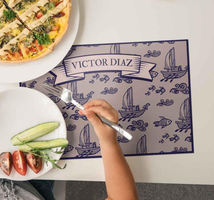 TenVinilo. Individual de mesa infantil marino con nombre. Los manteles individuales con nombre de estilo marinero será perfecto para que tu hijo disfrute mejor de las comidas ¡Envío a domicilio!