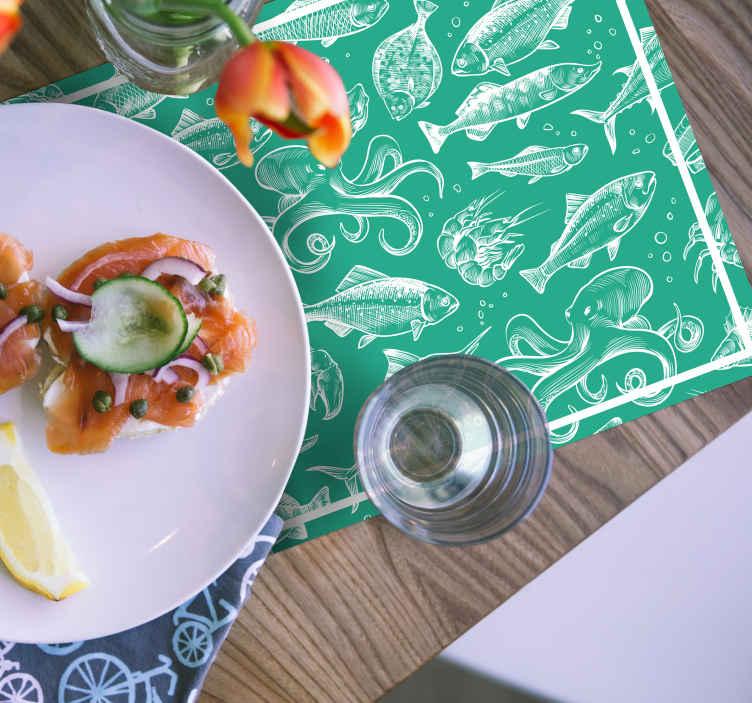TenStickers. 素描鱼手画鱼乙烯基餐垫. 鱼乙烯基餐垫是您家中任何桌子的绝妙装饰!由耐用的材料制成,将是一个了不起的装饰!