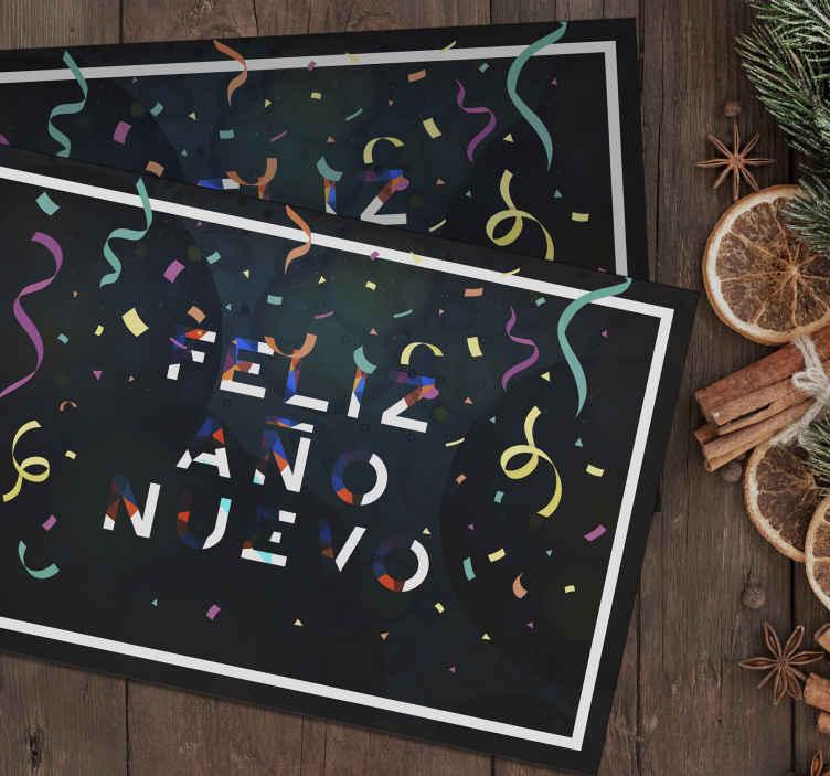 """TenVinilo. Mantel individual colores feliz año nuevo. Un increíble mantel individual navideño con el texto """"feliz año nuevo"""" que se presenta con colorido ¡Es fácil de mantener y de gran calidad!"""