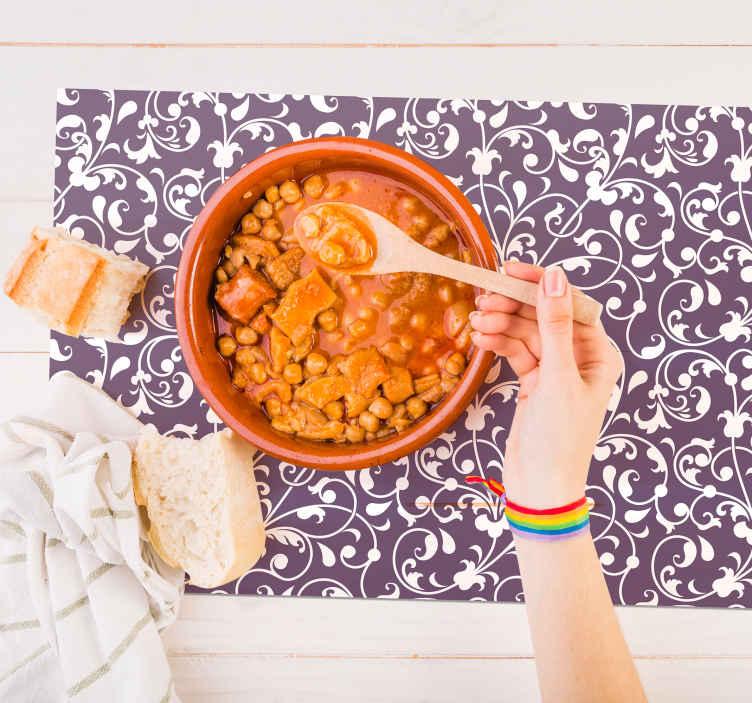 TenVinilo. Individual de mesa textura paisley morado. Mantel individual de hoja de paisley para decorar la cocina y la mesa del comedor. También válido para restaurante ¡Envío a domicilio!