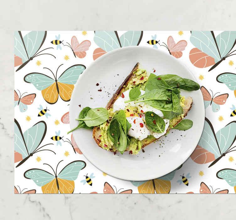 TenStickers. Kelebekler ve arılar kelebek masa paspasları. Masanız için mükemmel dekorasyon. Bu mutfak paspasları, güzel renkli kelebekler ve arıların bir resmini içerir. Yüksek kaliteli vinil.