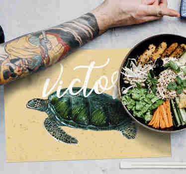 Būkite kūrybingi ir paverskite savo patiekalus malonesniais, papuošdami savo stalą šiuo nuostabiu, asmeniniams poreikiams pritaikytais placematais.