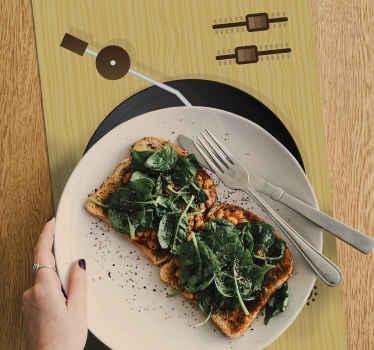 Sets de table personnalisables avec disque sticker original . Ajoutez ce que chaque image que vous aimez et profitez de votre dîner!