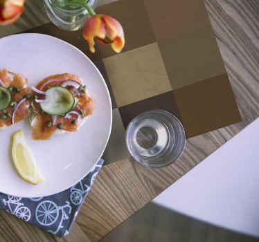 Ruskea neliökuvioinen pöytätabletti malli koti- ja ravintolakäyttöön. Tuote on helppo huoltaa ja korkealaatuista materiaalia.