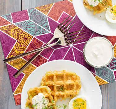 Decora la mesa de comedor con nuestro hermoso mantel individual elegante de mosaico colorido de paisley ¡Envío a domicilio!