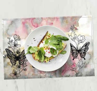 Sets de table avec des papillons élégants, parfaits comme décoration pour une table de cuisine. En matériau de haute qualité, durable et résistant.