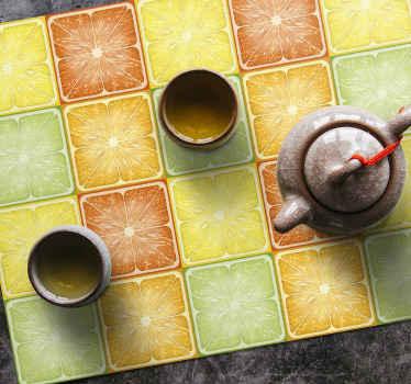 Sets de table agrumes qui présentent un superbe sticker de carrés chacun rempli de divers agrumes. Matériaux de haute qualité.