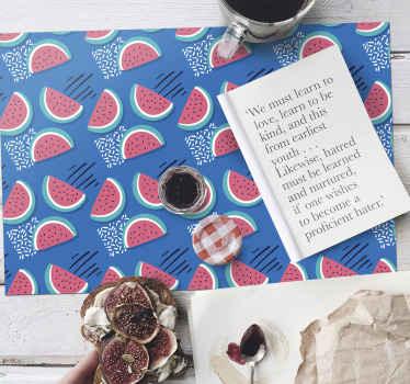 Si vous aimez décorer votre maison avec des fruits, notamment des pastèques, ce set de table original est idéal pour vous. Livraison à domicile!