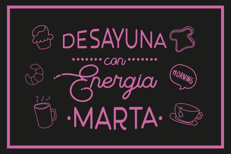 """TenVinilo. Mantel individual con nombre desayuno enérgico. Mantel individual personalizable que presenta el texto """"desayuna con energía"""" con tu nombre debajo en rosa ¡Descuentos disponibles!"""