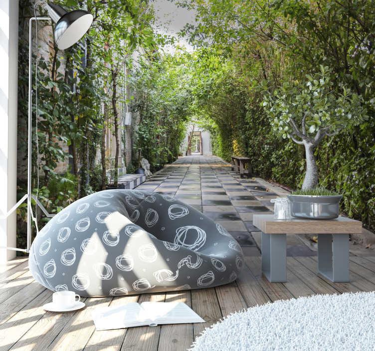 TenVinilo. Foto mural 3d pasillo exterior. Fotomural 3D de un pasillo exterior de una casa por el cual paseavan los dueños, fotografía en mural dará profundidad a tu hogar, lo hará exclusivo.