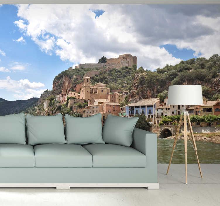 TenStickers. Fototapete Dorf Ebro Spanien. Sie träumen auch von einem Urlaub in Spanien? Wie wäre es mit dieser wunderschönen Fototapete für Ihr Wohnzimmer mit dem bildschönen Dorf Ebro.