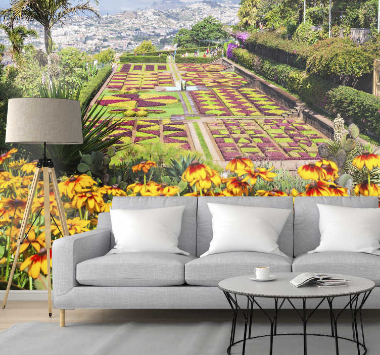 TenStickers. Mural de parede de cidades Jardim Botânico Madeira. Viaje para um dos lugares mais bonitos de Portugal, a Madeira, com este impressionante fotomural de cidades. Os tamanhos são personalizáveis.
