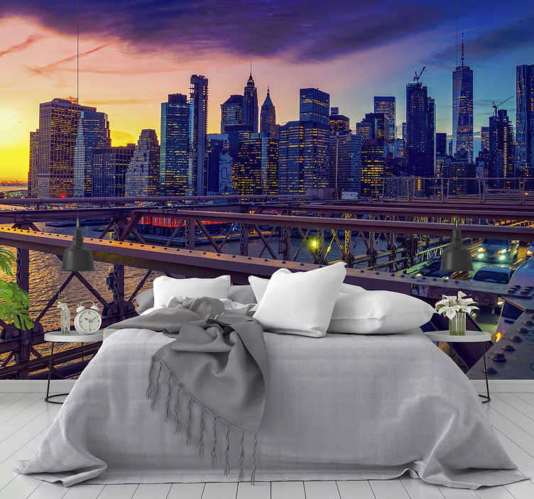 TenStickers. Photo murale Coucher de soleil et pont de New York city. Regardez cette belle photo murale de la ville de New York. Ce papier peint photo décoratif est certainement la décoration que vous voudrez dans votre maison. Application facile !