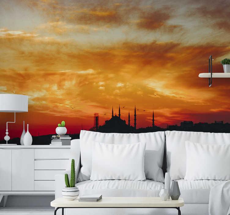 TenStickers. Istanbul manzarası duvar kağıdı. Gün batımının ışığında İstanbul şehrinin fantastik bir şehir duvar resmi, oturma odanızın herhangi bir duvarını süslemek için mükemmel!