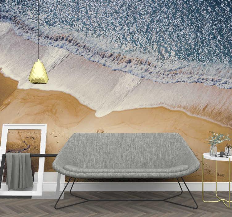 TenStickers. Mural de parede do mar praia vista do céu . Este mural de parede do mar de uma imagem de uma praia vista do céu que irá trazer à sua parede uma decoração incrível!