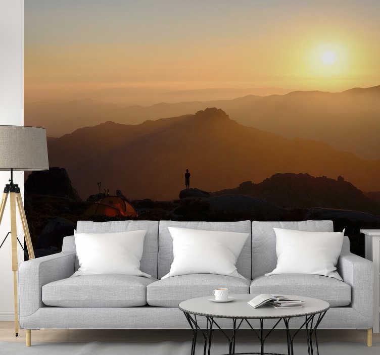 TenStickers. Mural de parede de paisagens Sunset no Gerês. Aqui pode desfrutar de um mural de parede decorativo de paisagens com uma calmante imagem do pôr do sol na Serra do Gerês.