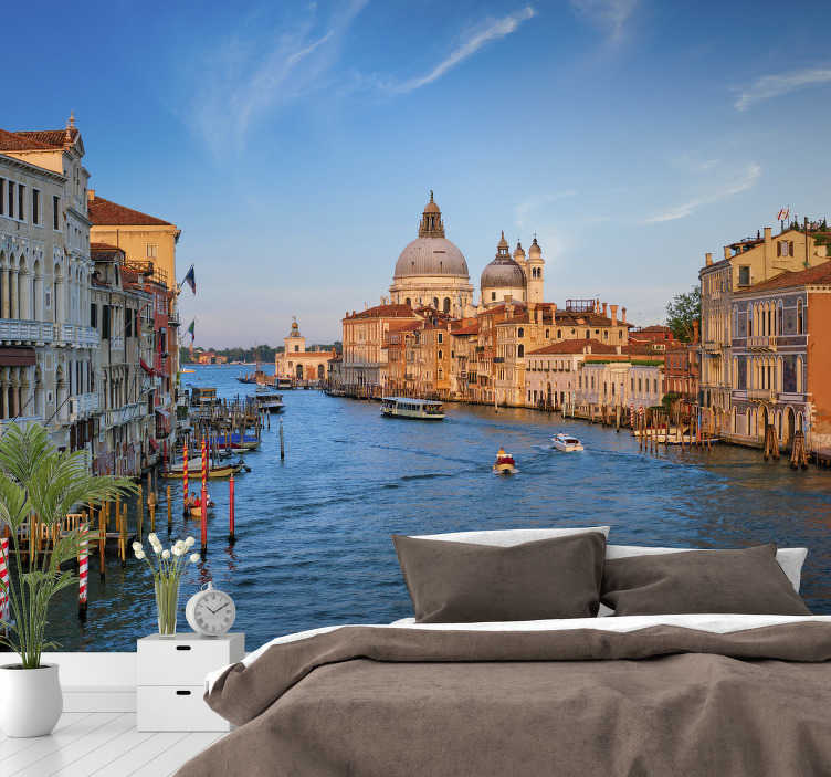 TenStickers. Venice city photomural. Fall in love with Venice with this wall mural for bedroom and wake up in this beautiful place every day. Matte finishing and free delivery!