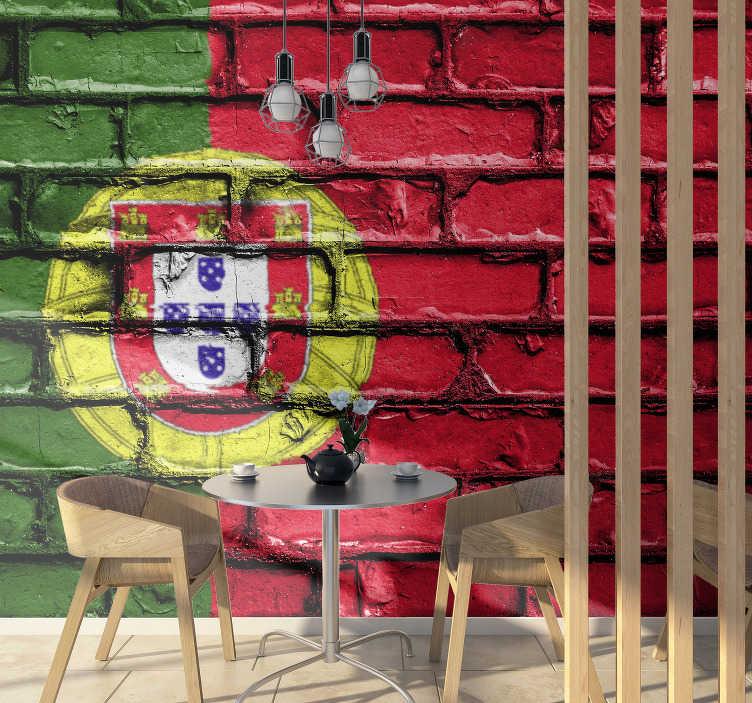 TenStickers. Fotomural de países Bandeira de Portugal em tijolo . Ama Portugal e quer que todos que o visitam o saibam? Então este fotomural de países da bandeira de Portugal é perfeito para si.