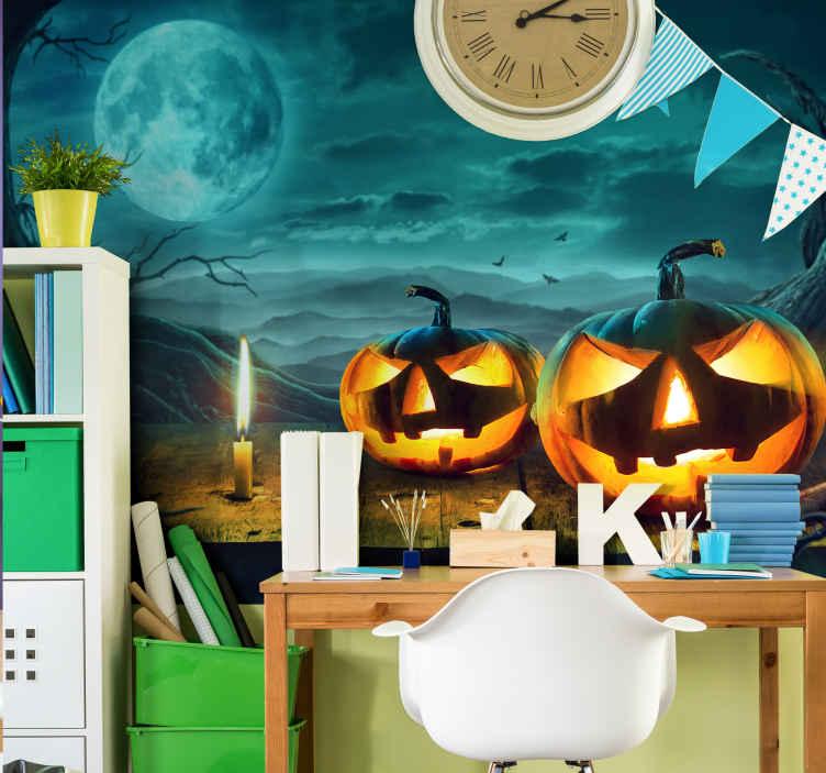 TenStickers. Duch s dýní skutečný efekt fototapeta tapetu. Vytvořte ve svém prostoru děsivou halloweenskou atmosféru pomocí hororových prvků v naší duchovní dýni a lesní fototapetě.
