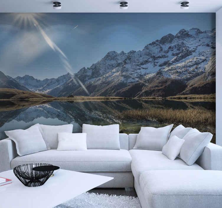 TenStickers. Fotomurale paesaggi Wallmural nebbioso del lago e della montagna. Aggiungi questo fantastico murale da parete lounge al tuo carrello per acquistarlo online e riceverlo presto. Puoi rimuoverlo senza sforzi.