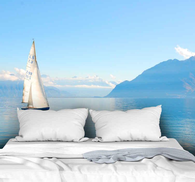 TenStickers. Oceán s plachetnicemi pod mořem fototapeta. Krajina fototapeta s designem krásného modrého oceánu s plachetnicí, ideální pro to, abyste svému domu dodali nádech klidu a přírody.