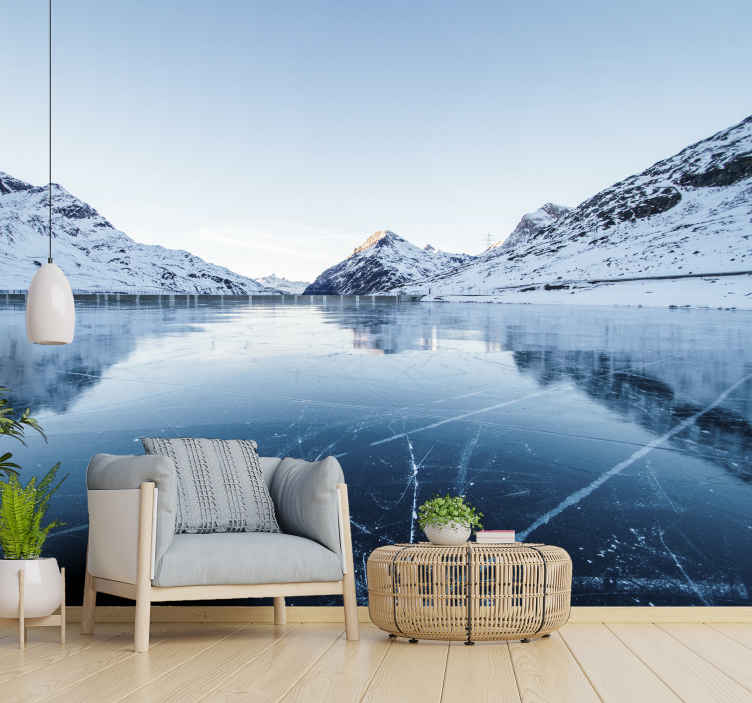 """""""Tenstickers"""". Matinio ežero kraštovaizdžio sieninė tapyba. Gražus sieninis paveikslas yra matinio ežero iliustracija. Tai iškart padarys jūsų svetainę daug didesnę! Lengva pritaikyti ir prižiūrėti!"""