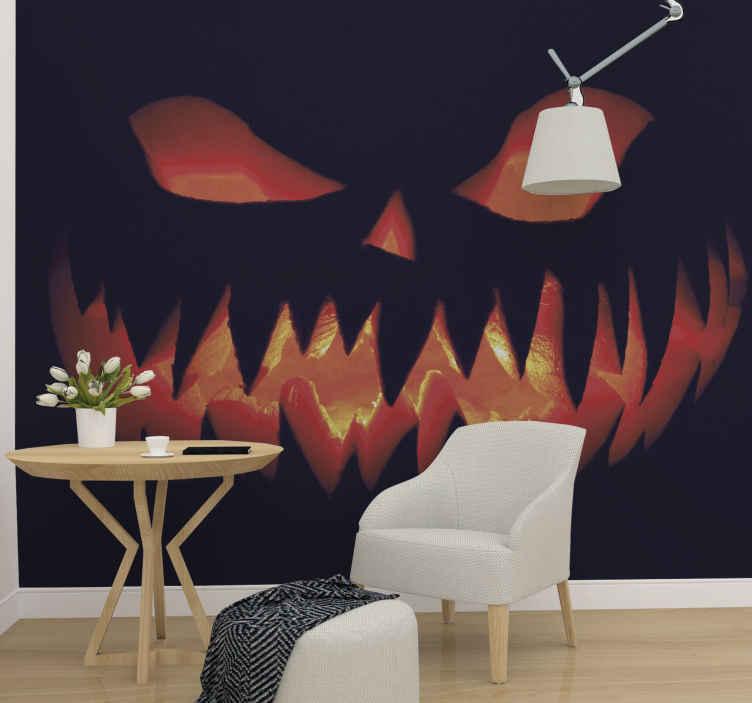 TenStickers. Photo murale Citrouille effrayante. ces stickersparticulière est inspirée d'un grand sourire de citrouille avec des flammes de feu sur un fond noir, qui effrayera tout le monde.